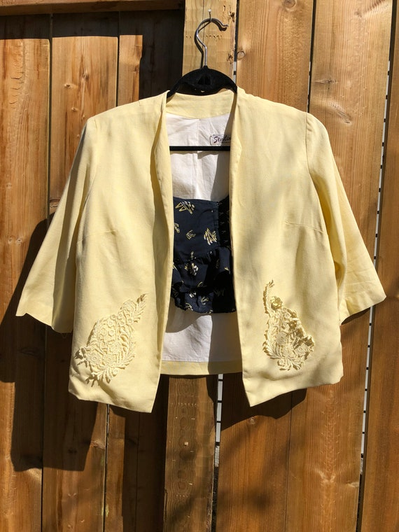 Pale yellow 1960s summer skirt suit - image 3