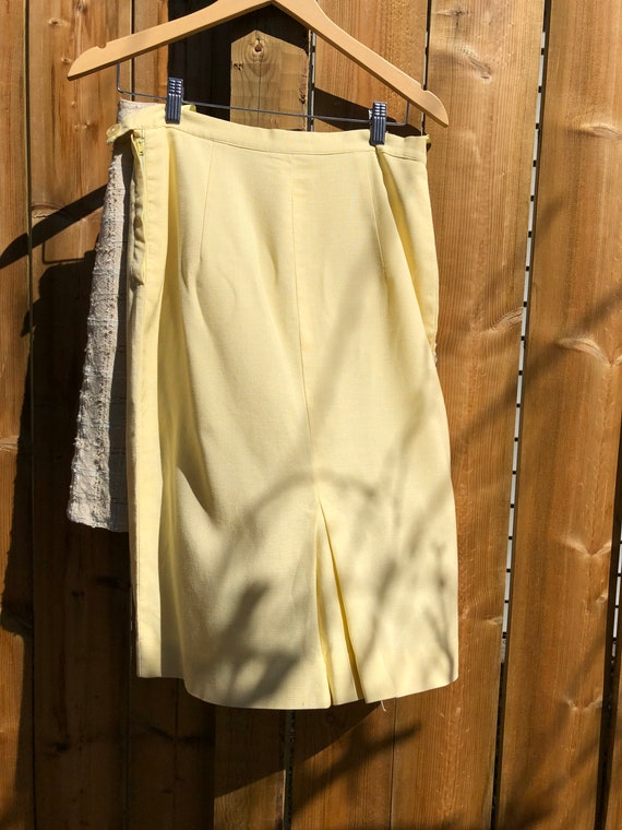 Pale yellow 1960s summer skirt suit - image 5