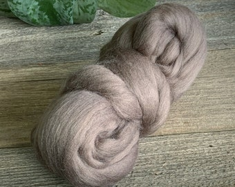 English Countryside 16 Micron ExtraSuperfine Merino Wool Top 4 ounces