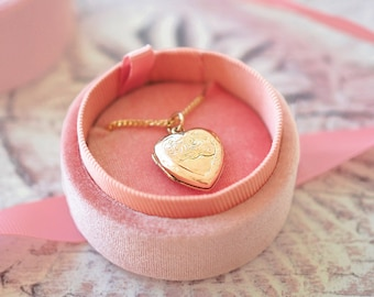 Victorian 9ct Gold Engraved Heart Locket