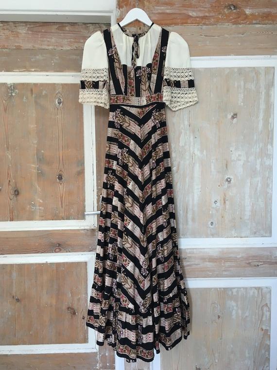 Folk style vintage dress