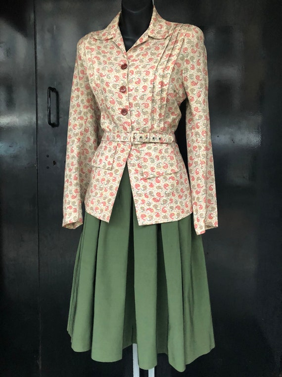 Lovely 40's fitted jacket
