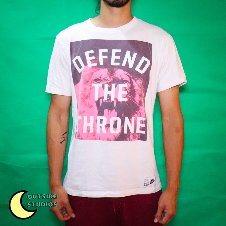 Lebron Lion T-shirt image 0