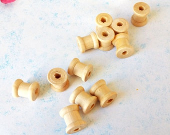 Bag of 40 Empty Wooden Spools 2 Sizes