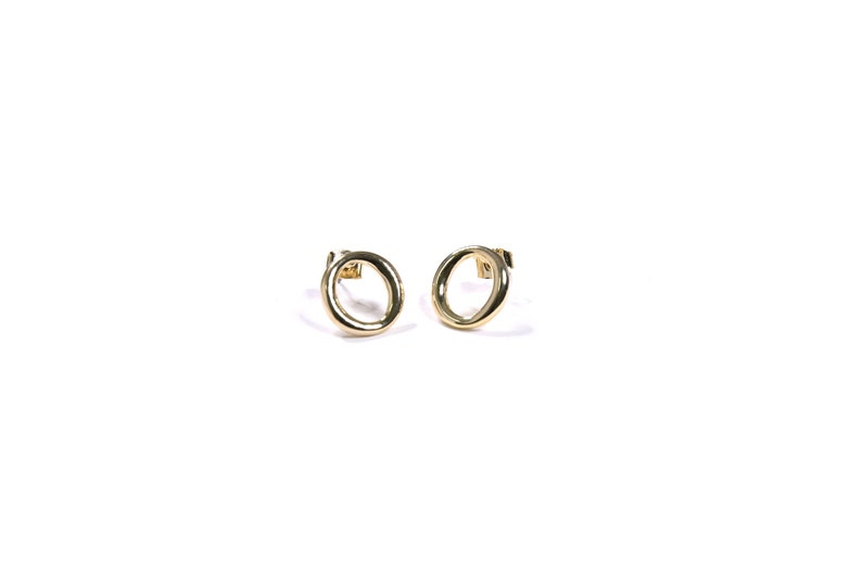 Soft Round Ring Earrings Suitable for Everywhere Minimal /& Delicate Metal Earrings Easy to Take On and Off