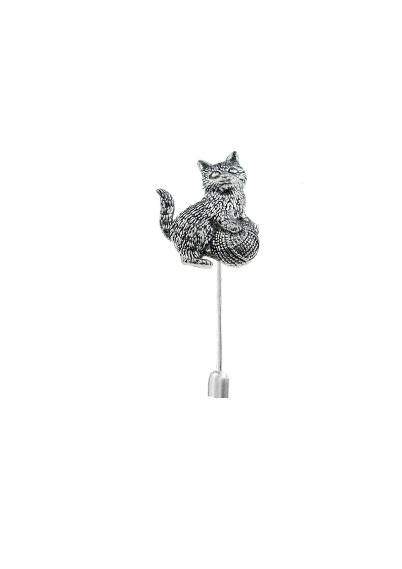 Kitten with ball of wool  on a 3 7.5cm Kilt Pin Scarf  Brooch with English Pewter Emblem or Stunning stick pin with end connector refa42