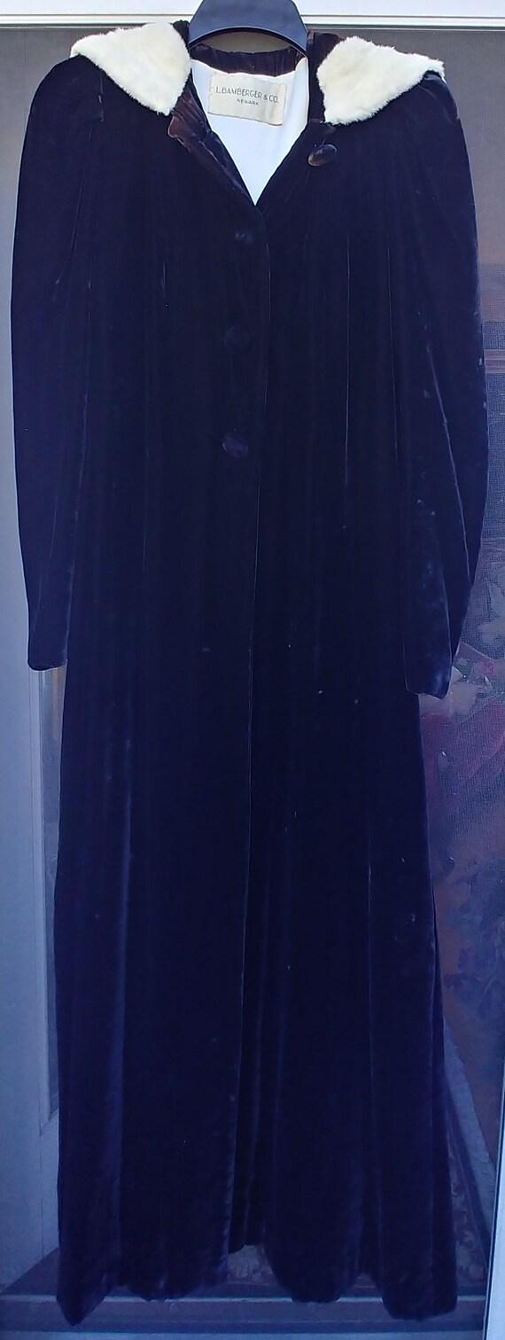 Vintage 1930's - 1940's Women's Black Silk VELVET