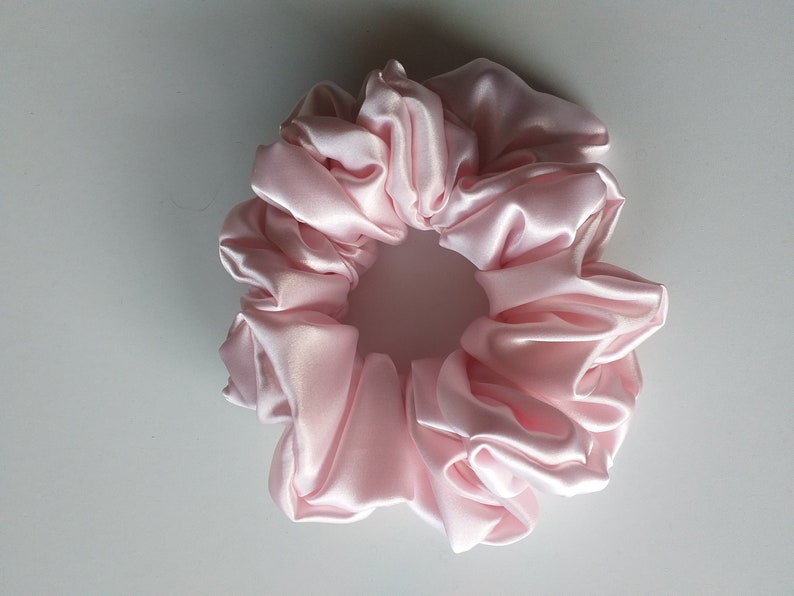 Handmade Pink Silk Scrunchies scrunchie scrunchy handmade by ScrunchiesTresors