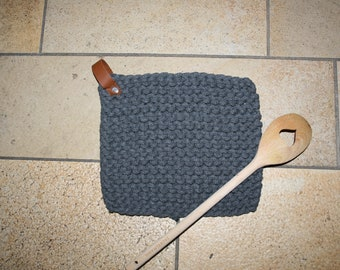 Pot holders/saucers knitted