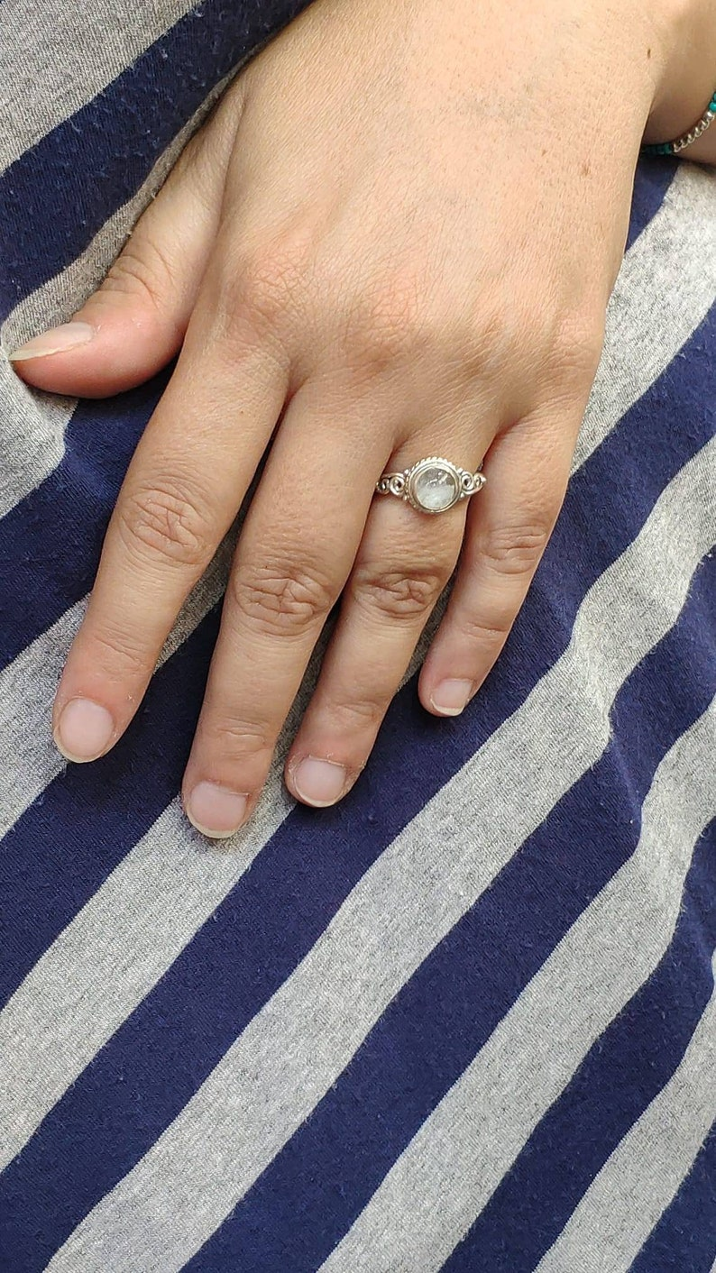 Women/'s ring in silver 925 with round moonstone Handmade!