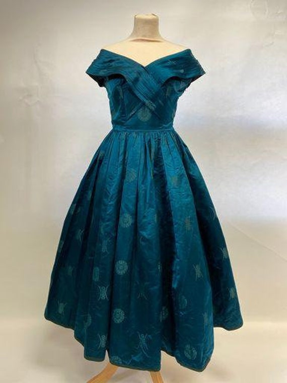 Stunning vintage 1950s brocade evening dress