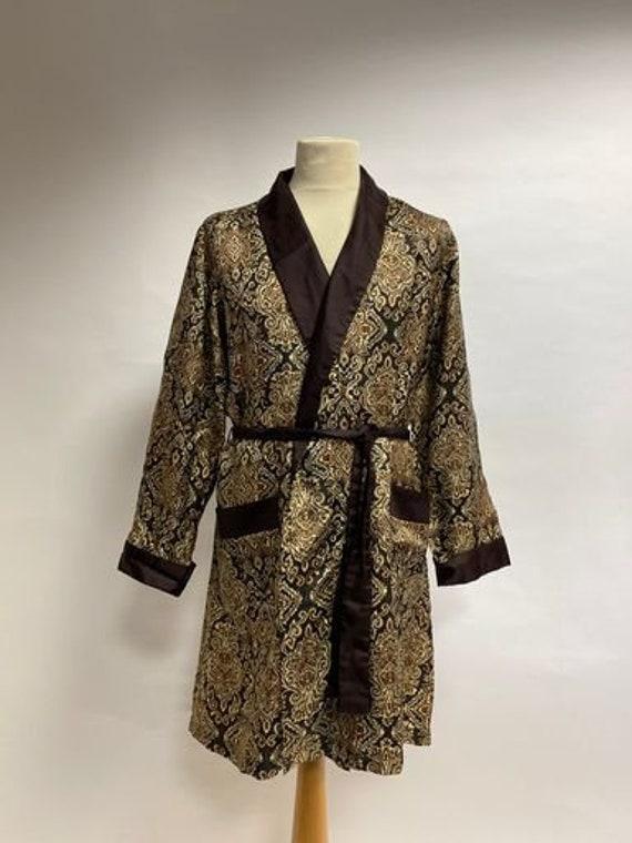 Vintage 1970s paisley men's smoking jacket robe