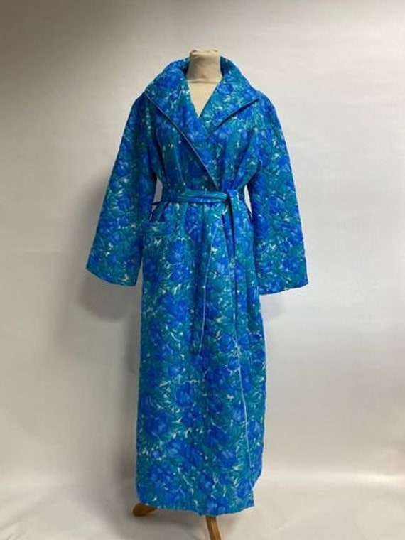 Vintage 1960s floral quilted dressing gown