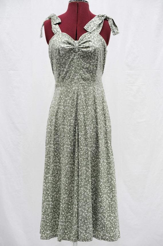 Vintage 1950s  floral sun dress