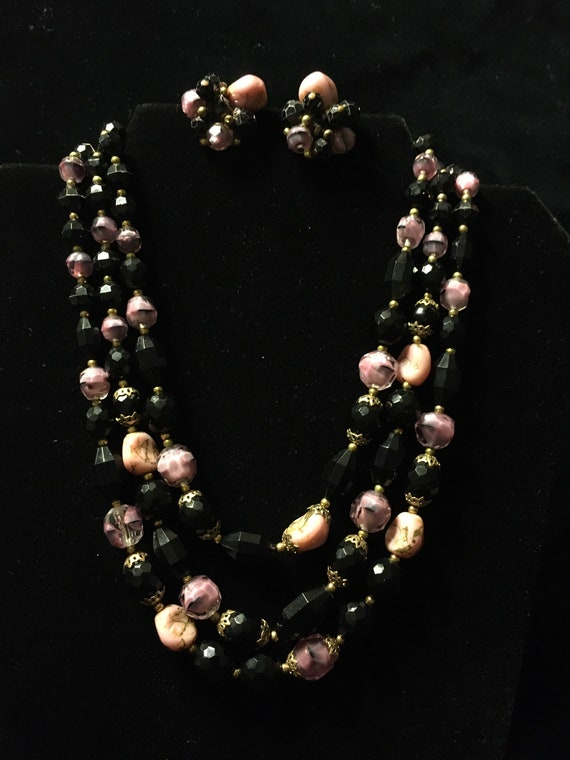 Trifari demiparure necklace and earrings - image 1