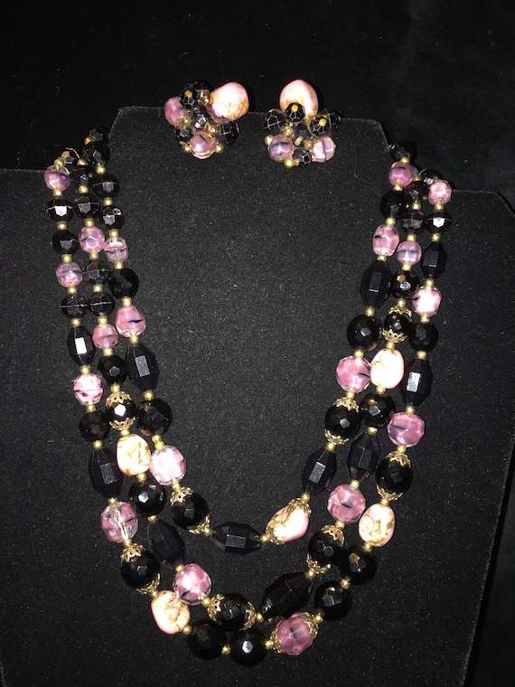 Trifari demiparure necklace and earrings - image 2