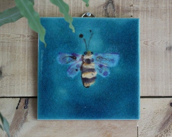 Hand decorated Bee  hanging art tile , ceramic wall art, hanging picture tile , ceramic wall decoration
