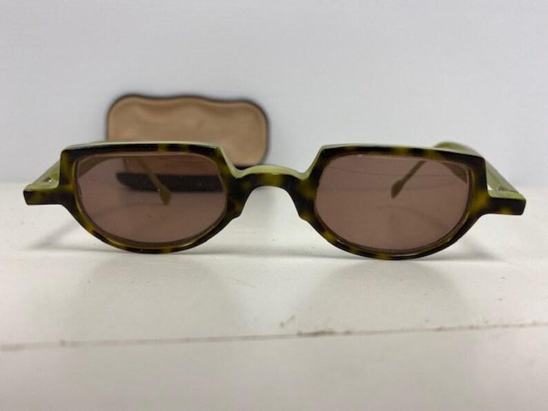 Vintage pr of sunglasses