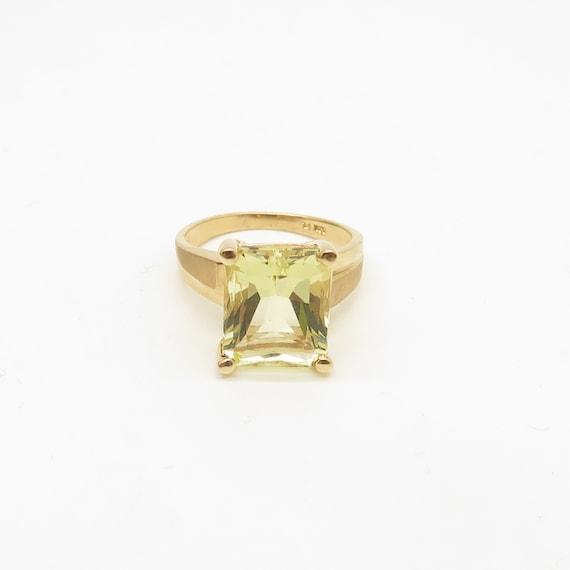 10K Yellow Gold Princess Cut Yellow Cubic Stone Ri