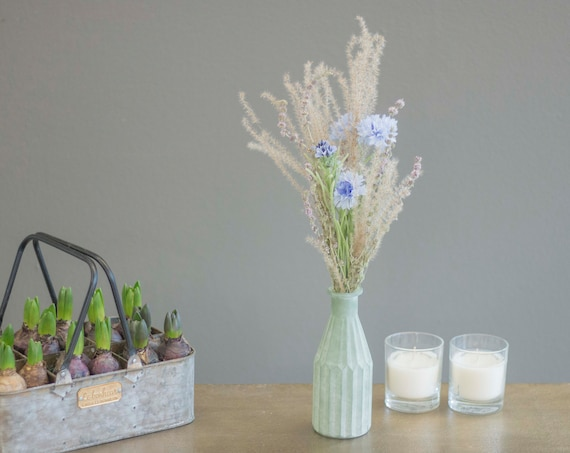 Spring meadow with vase, dried flowers, dried flower bouquet, bouquet, dried flowers, flower window, spring decoration