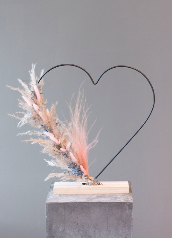 Heart of dried flowers, dry flower bouquet, Mother's Day, flower window, heart, mom