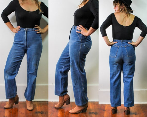 Vintage Distressed High-Waisted Jeans//Flared Deni