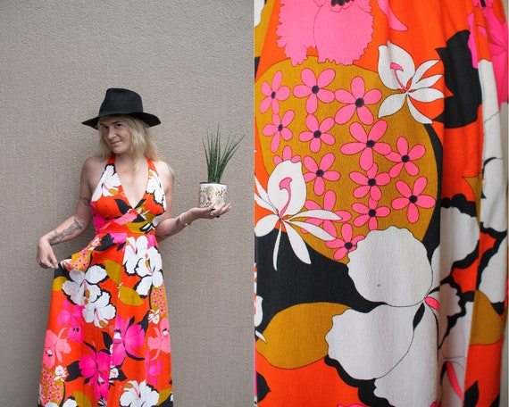 Vintage Bright Halter Dress//Flowers and Geometric