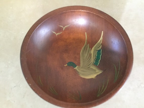 MUNISING Hand Painted Mallord Duck in Flight Primitive Bowl