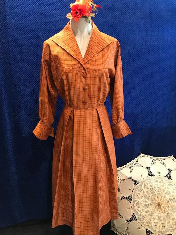 Vintage 1940s 1950s burnt Orange and black check r