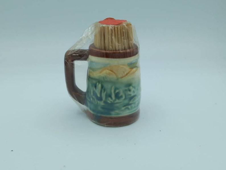 Toothpick potminiature tankard horse and carriage design