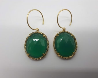 Gold-plated silver and green calcedoine earrings