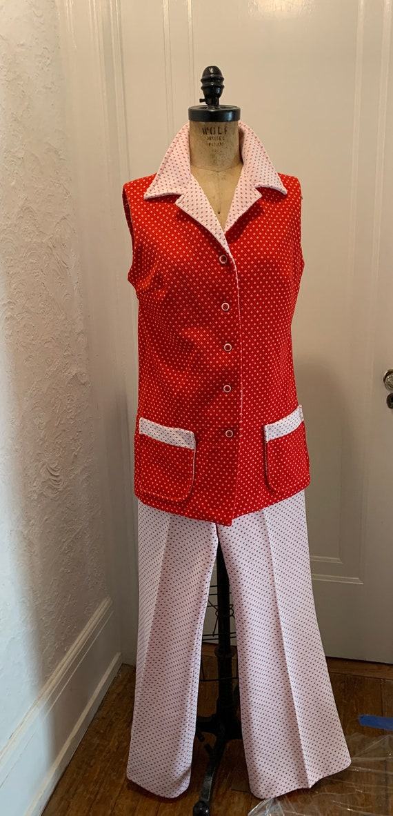 Vintage 1970's Red and White Pant suit !