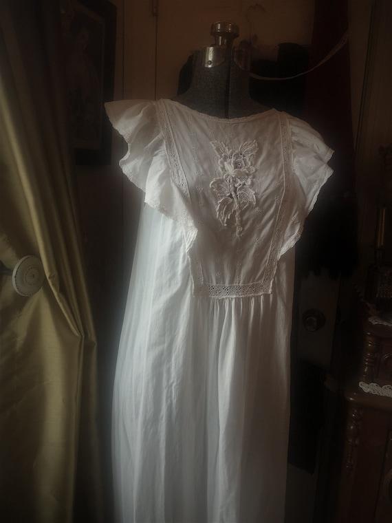 1970s - 80s white cotton flowy sundress