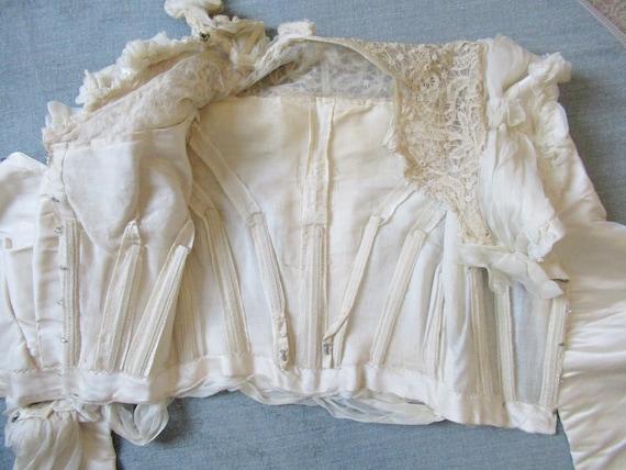 Antique Victorian 1890s wedding dress - image 6