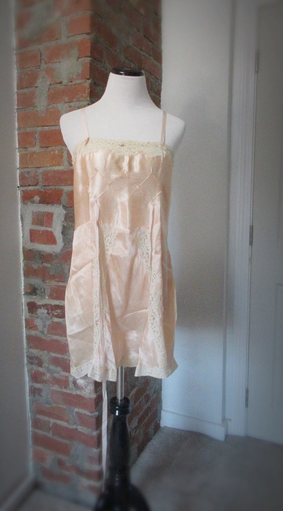 1920s pink silk step in