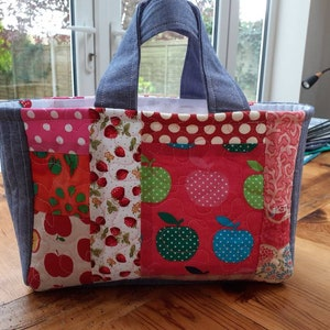 Cute and colourful Quilted Project Bag.