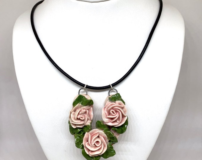 SALE! Lucille Three Blooms Necklace