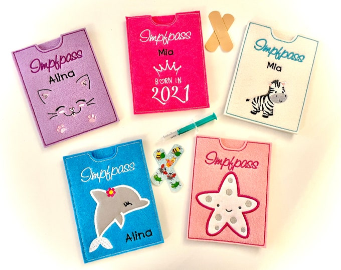 Vaccination passport cover for children, felt embroidered with beautiful motifs, customizable with the name