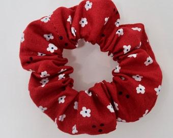Red Flower White Scrunchie - Valentines Day Scrunchie - V-day - Galentines day - gifts for her - hair scrunchie - scrunchy | La Scrunchie US