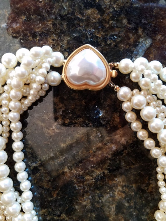 Carolee pearl necklace/ cultured pearl necklace/ 8