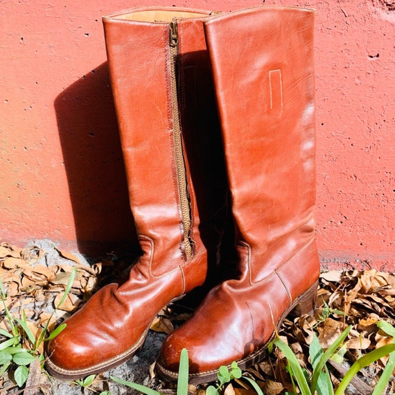 1970's Chestnut Brown 100% Leather Iconic Riding B