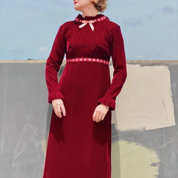 Vintage 30's Burgundy Velvet Prairie Dress. - image 2