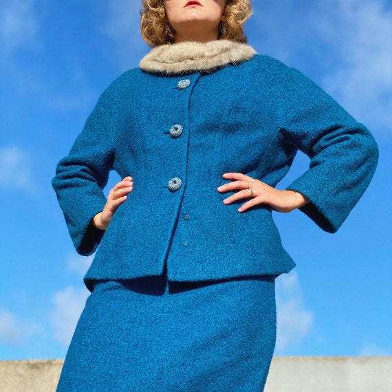 Vintage 40s blue wool knit suit. - image 3