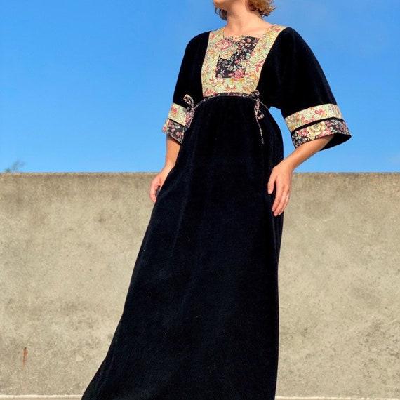 Vintage 60s black strawberry house dress. - image 1