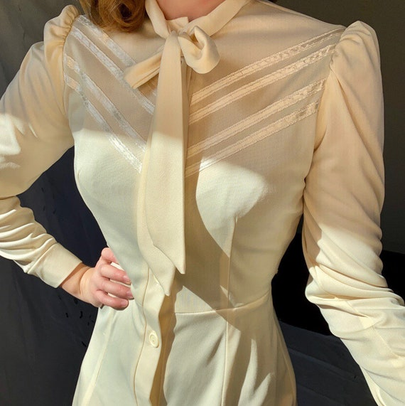 Vintage 1970s cream victorian revival puff sleeve