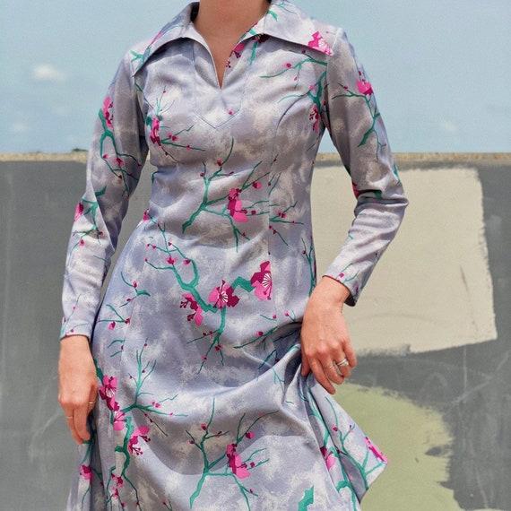 Vintage 70s Floral dress.