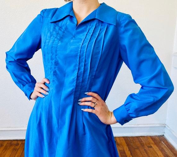 1960's Periwinkle blue bespoke dagger collar dress