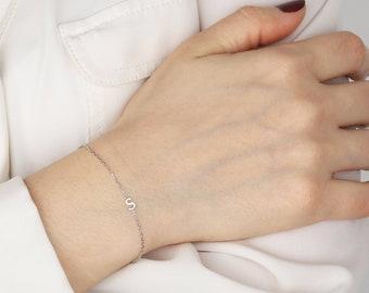 Letter Bracelet, initial Bracelet, Bridesmaid Bracelet, Custom Letter Bracelet, Sorority Bracelet, Mothers Day Gift, Christmas Gift
