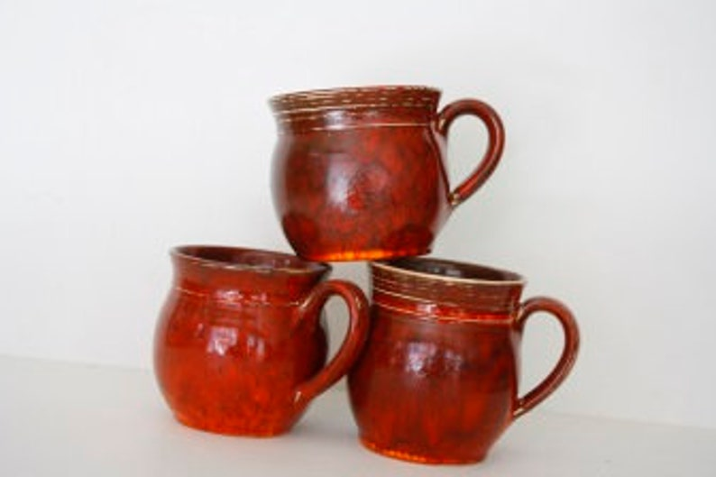 Cup Dicke Berta in red or green  approx. 300 ml image 0