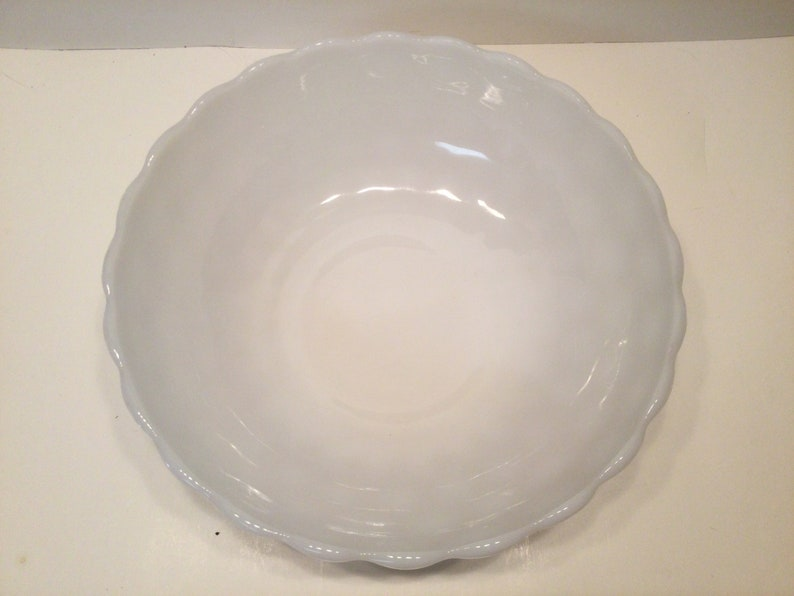 VTG  White Milk Glass Bubble Bowl Scallop Rim Serving Bowl Anchor Hocking 8 14\u201d